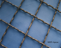 Mesh made of spring steel wire